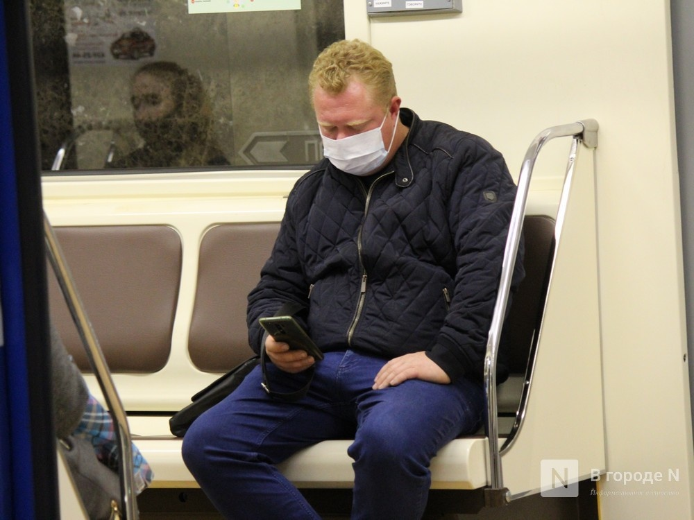 200 пассажиров нижегородского метро получили бесплатные маски - фото 4