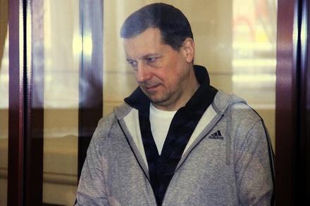 Олег Сорокин пожаловался суду, что две недели остается без питьевой воды