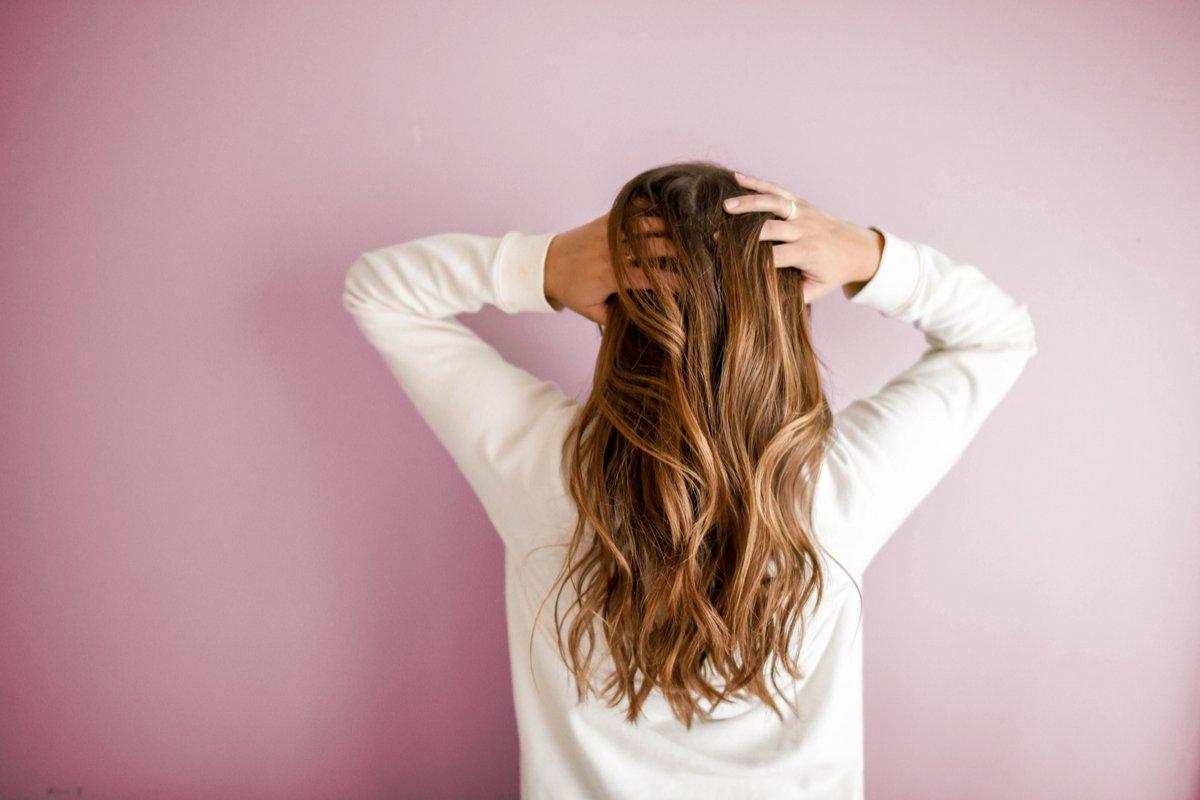 Можно ли мыть голову каждый день и чем это вредит  - фото 1