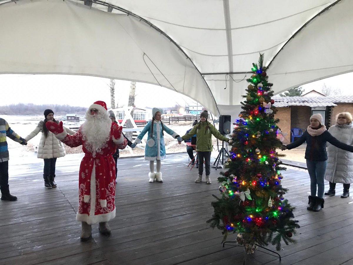 Яхт-клуб «ЛЕТО» приглашает на детскую новогоднюю программу «Тайна волшебных часов» - фото 1