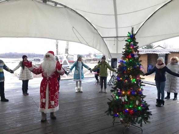 Яхт-клуб «ЛЕТО» приглашает на детскую новогоднюю программу «Тайна волшебных часов» - фото 5