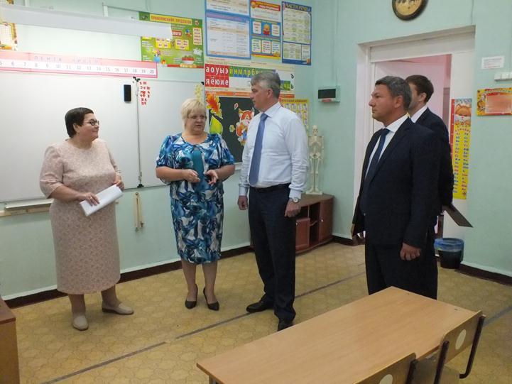 Неменее половины нижегородских школ готовы кновому академическому году