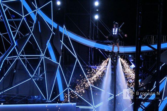 Огонь, вода и звезды эстрады: Как прошло гала-шоу 800-летия Нижнего Новгорода - фото 39