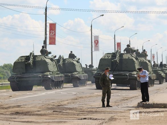 Танкисты в масках: первая репетиция парада Победы прошла в Нижнем Новгороде - фото 68