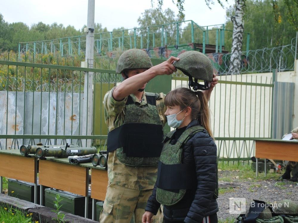 «Оценка огнеметчикам — «пять». Как нижегородские росгвардейцы учатся стрелять из «Шмеля» - фото 4