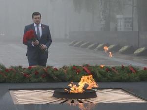 Глеб Никитин возложил цветы к Вечному огню
