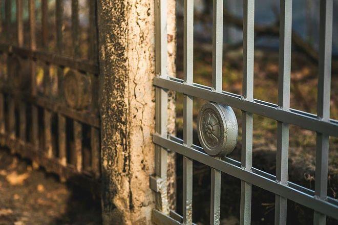 Восстанавливать ограду парка «Швейцарии» будут с использованием противоморозных примесей - фото 2