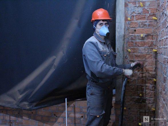 Инъекция для стен: как идет реставрация фасада нижегородской фабрики «Маяк» - фото 42