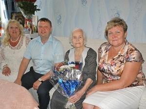 Жительница Ленинского района отметила 100-летний юбилей