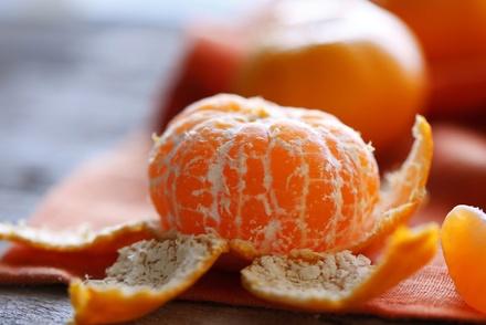 Как могут пригодиться корки от новогодних мандаринов