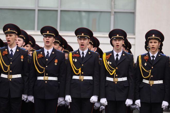 Парад Победы проходит в Нижнем Новгороде - фото 3