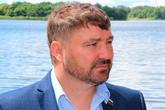 Нижегородского депутата Атмахова лишили гражданства РФ