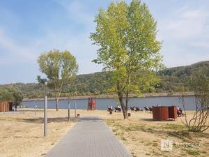 Нижегородский пляж в затоне 25 лет Октября превратился в свалку
