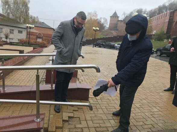 ОНФ обнаружил аварийные дома и провалы в асфальте на исторических улицах Нижнего Новгорода - фото 4