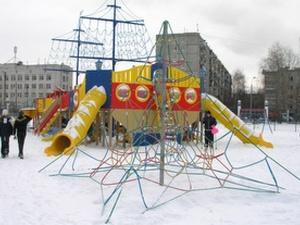 Детскую площадку супермодели Водяновой демонтируют в Нижнем Новгороде