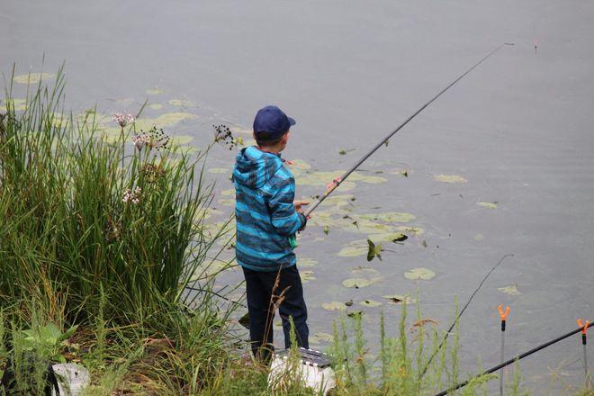 Три вида ухи и лодка в подарок: в Нижнем Новгороде стартовал фестиваль рыбалки - фото 32