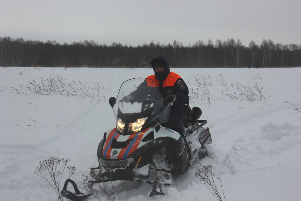 Сотрудники МЧС спасли замерзающего мужчину в Борском районе - фото 1