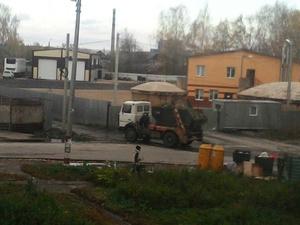 Жители Неклюдово пожаловались на мусорное предприятие в их поселке