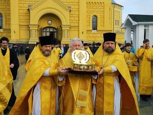 Ковчег с мощами святителя Луки отбыл из Нижнего Новгорода
