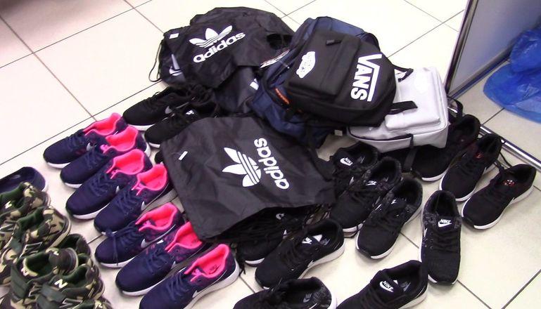 Подделки под Adidas и Lacoste продавали в Советском районе - фото 2