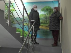 Пейзажи появились в подъездах домов Нижнего Новгорода